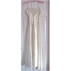 Victoria's Secret GOLD LABEL Long White Nightgown